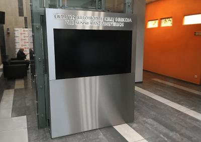 Reklaminiai ekranai, pilonai, interaktyvus stendai (3)